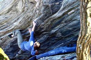 Jessa Goebel on Tsunami low 7c+ Moore's Wall